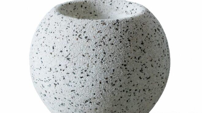Вазон из мраморного камня. Модель - КУВШИНКА S
